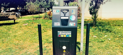 Electric vehicle charging station in Salles